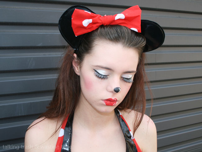 Minnie Mouse Cartoon Make-up HOW TO | Now Thats Peachy