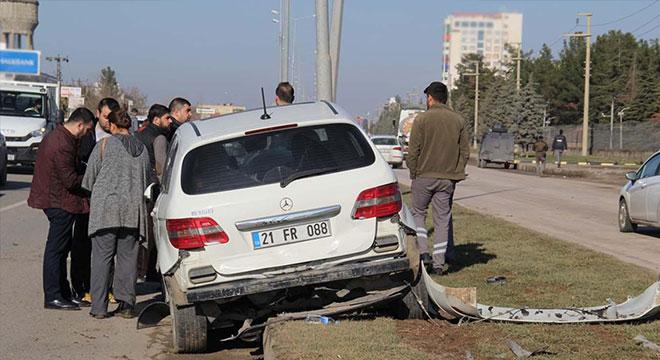 Diyarbakır Büyükşehir Öğretmenevi yakınlarında trafik kazası