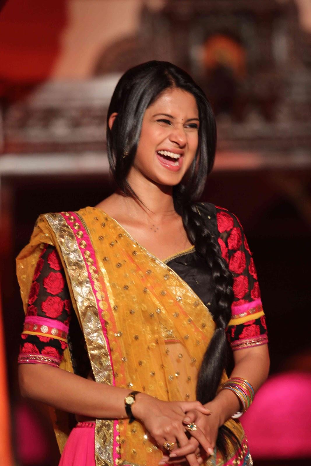 Saraswatichandra serial episode 2 april 2013 / Comedy shows
