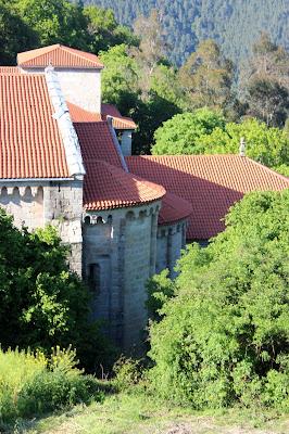 El ábside del monasterio de Santo Estevo de Ribas del Sil en la Ribera Sacra, Orense