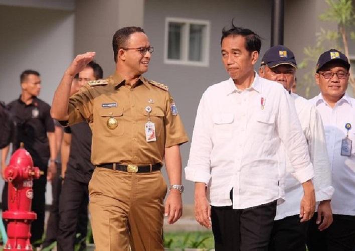 Gubernur DKI Anies Baswedan bersama Presiden Jokowi