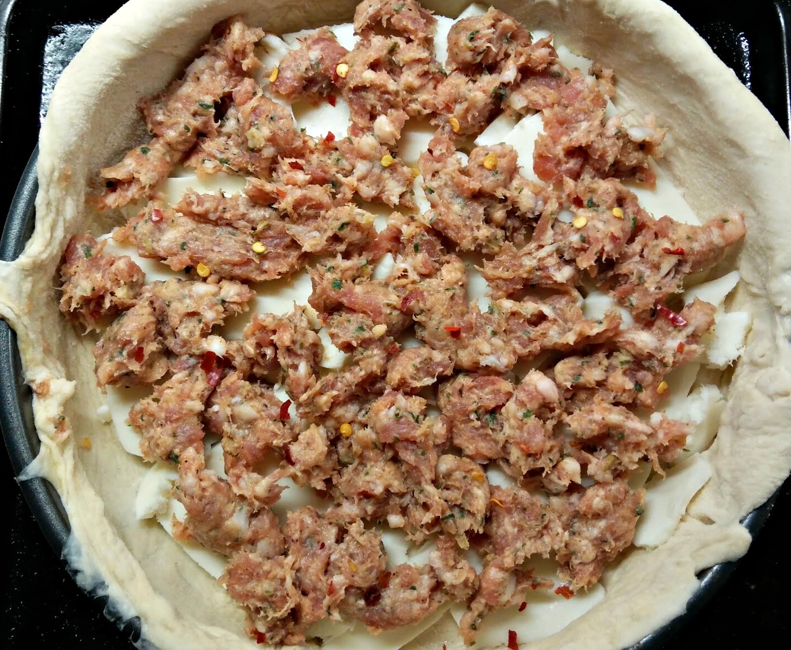Chicago Style Pizza with Spicy Sausage filling recipe