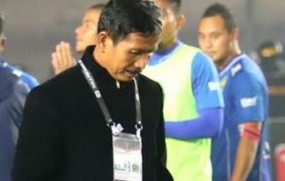 Djadjang Nurdjaman Mundur sebagai Pelatih Persib Bandung