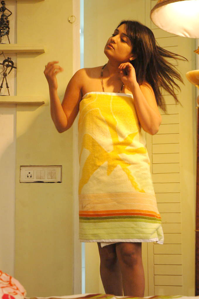 Nikitha Hot  Spicy In Bath Towel Photos  Hot Actress Picx-8465