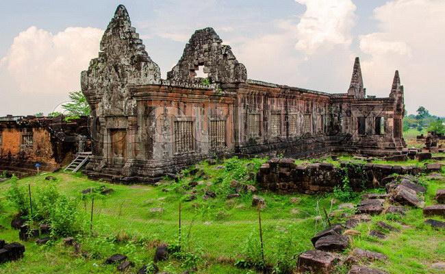 Xvlor.com Wat Phu is mysterious ruins of Shiva Hinduism and Theravada Buddhist