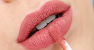 Apakah Benar Zat dalam Lipstik Mampu Turunkan Kecerdasan Buah Hati Waktu Ibu Mengandung? Cek Penjelasannya