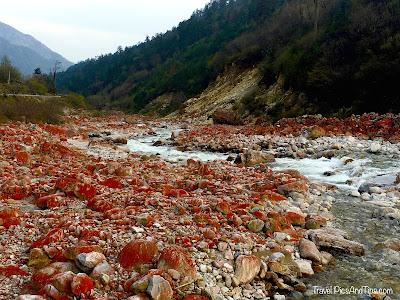 Parc des pierres rouge - Montagnes et régions tibétaines du Sichuan en Chine