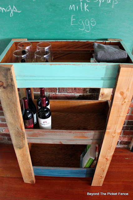 old drawers, upcycled, shelf, kitchen, pallets, http://goo.gl/MQJhPe