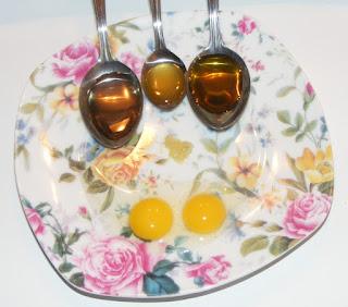 preparare masca de par naturala cu oua usturoi miere de albine si ulei de masline si ricin, sanatate, infrumusetare, tratamente pentru piele unghii si par,