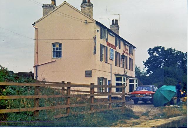 Two+Boats,+Long+Itchington+1981.jpg