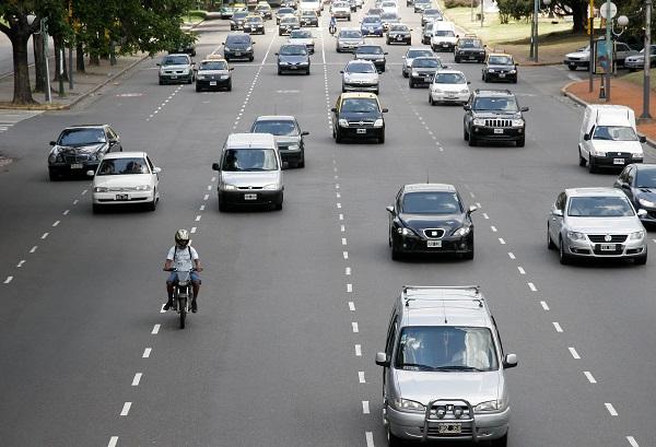 Ciudad de Buenos Aires: Premiarán con un año de patente gratis a aquellos que respeten las velocidades máximas
