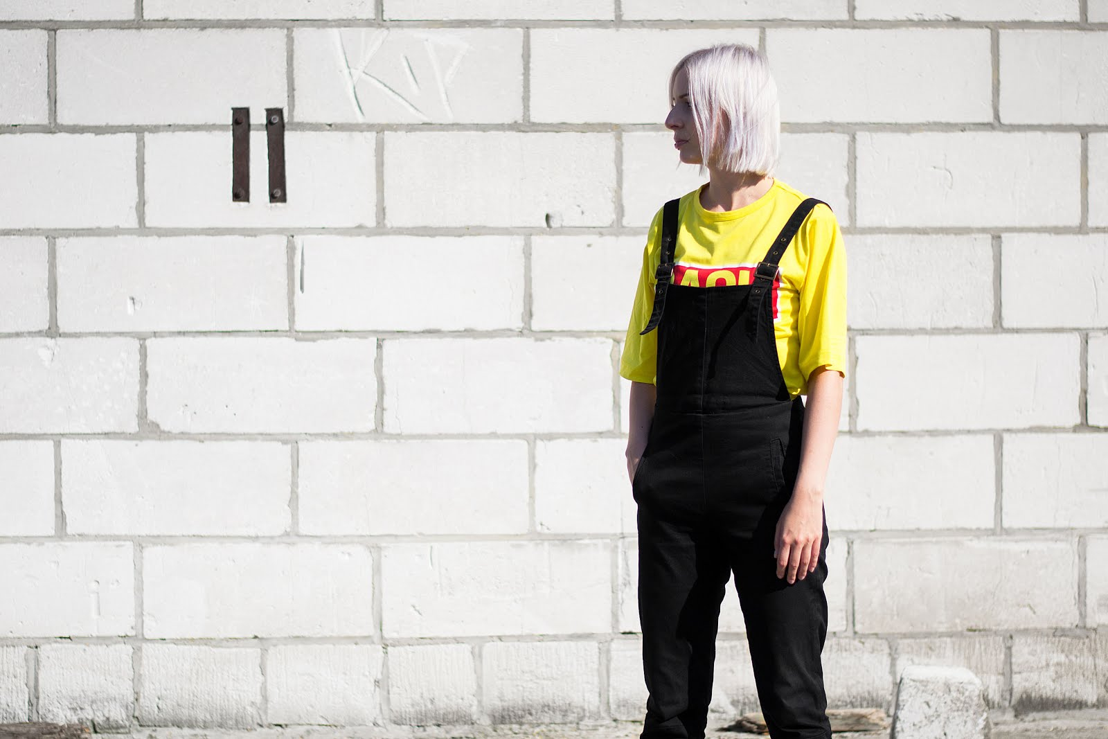 Asos, black dungarees, 90's, Yellow, slogan t-shirt, BACK, reebok classic sneakers, outfit, minimalist