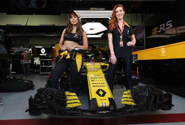 af938f06c Anitta, Marina Ruy Barbosa conferiram o Grande Prêmio do Brasil de Fórmula  1, em Interlagos, neste domingo, 11 de novembro de 2018