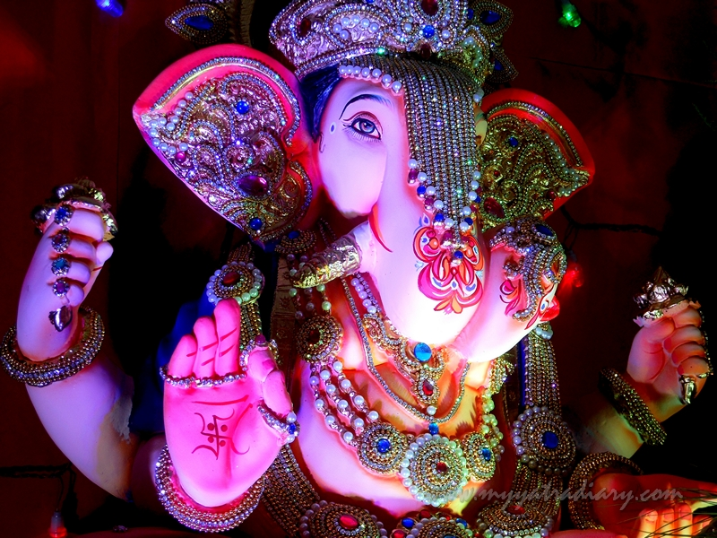 Ganesh Pandal Hopping in Mumbai - Beautifully decorated Society Ganpati