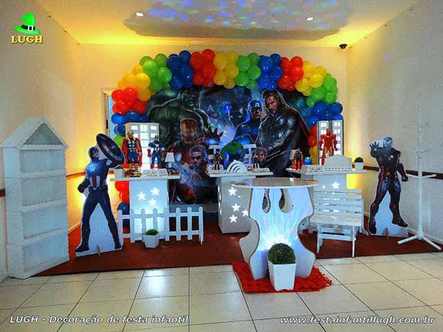 Decoração tema Vingadores para festa infantil - Mesa decorada de aniversário - Provençal simples