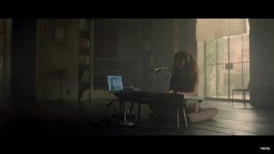 Beyoncé - Sandcastles ( #Official #Music #Video )