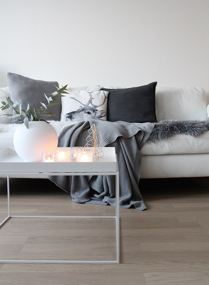 white and grey scandinavian christmas decor