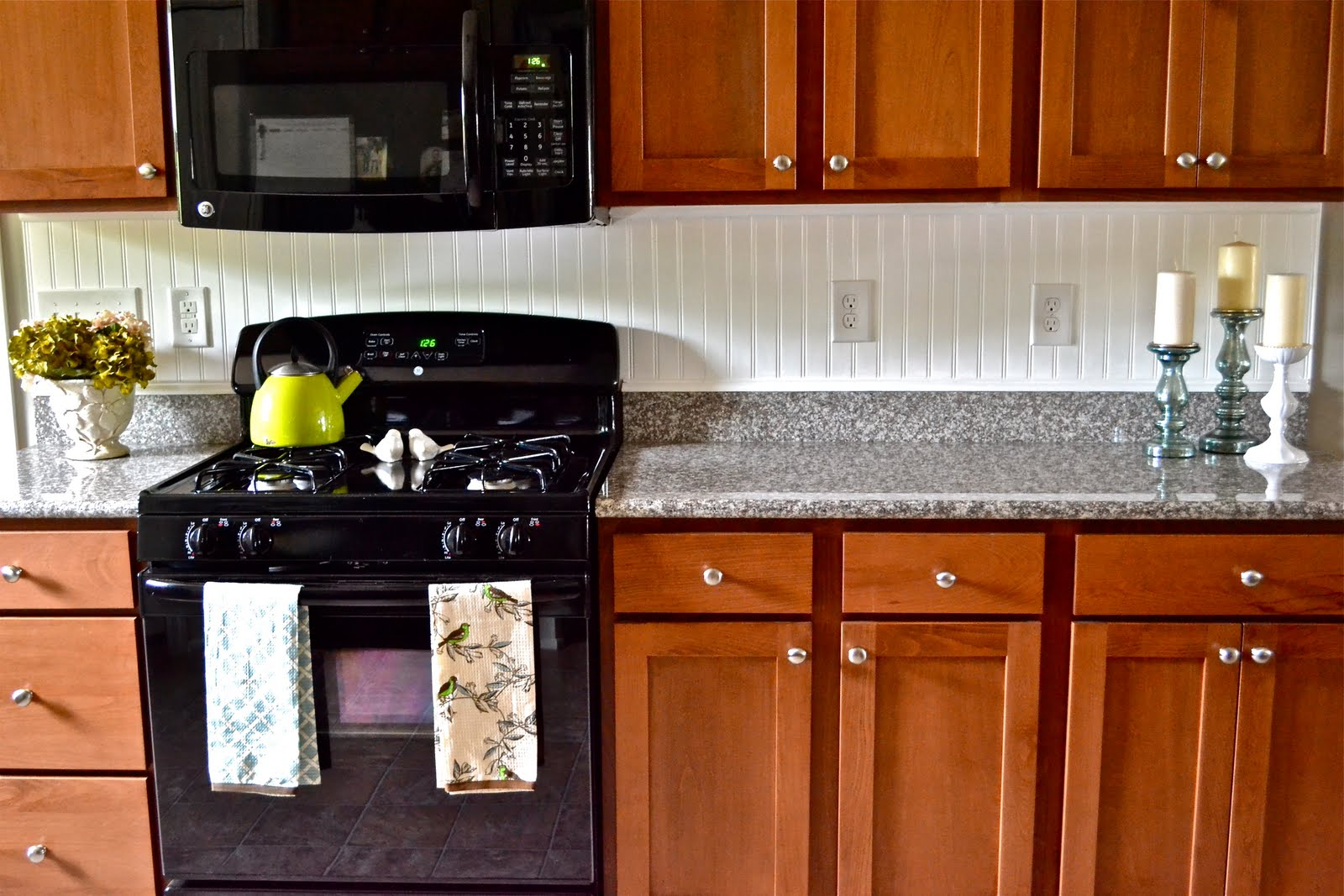 beadboard backsplash - liz marie blog