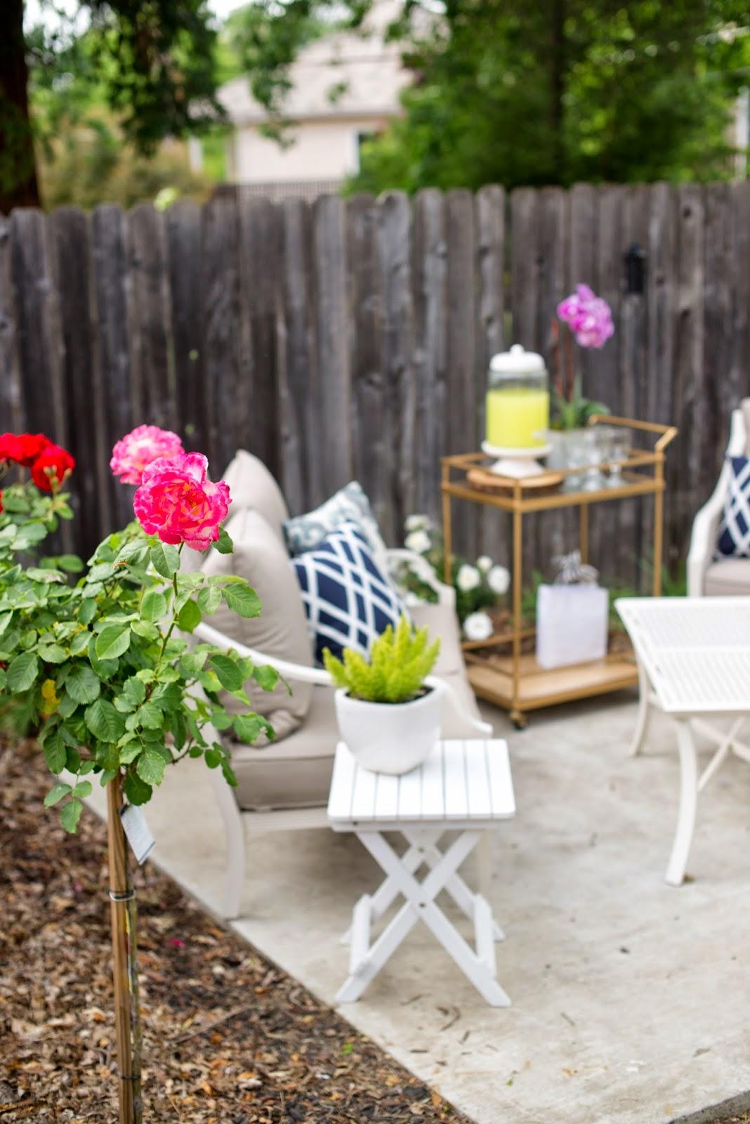 Domestic Fashionista: Backyard Patio Dinner Party