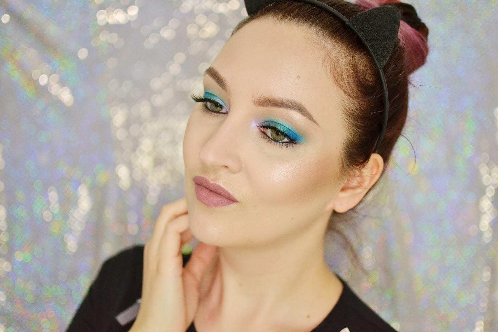 Zielono- niebieski makijaż na dzień