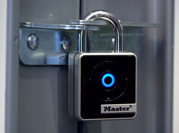 Master Lock 4400D Wide Bluetooth Smart Padlock