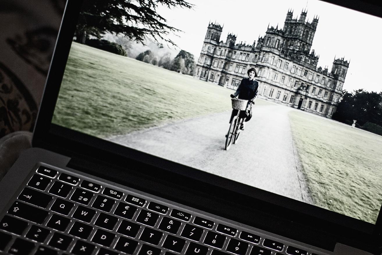 Mac, laptop, läppäri, tietokone, netflix, Downton Abbey