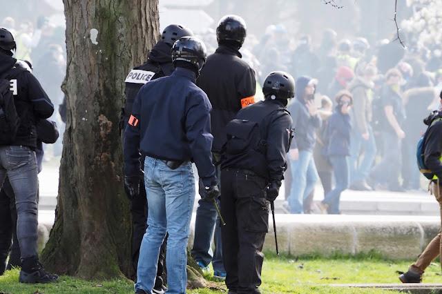 Caché, manifestation de Mars 2019, Nantes, Emeric Cloche