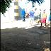 HOMEM SENDO EXECUTADO NA FRENTE DA POPULAÇÃO