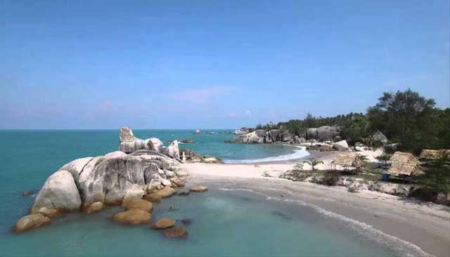 Menikmati Keindahan Pantai Rambak Di Pulau Bangka