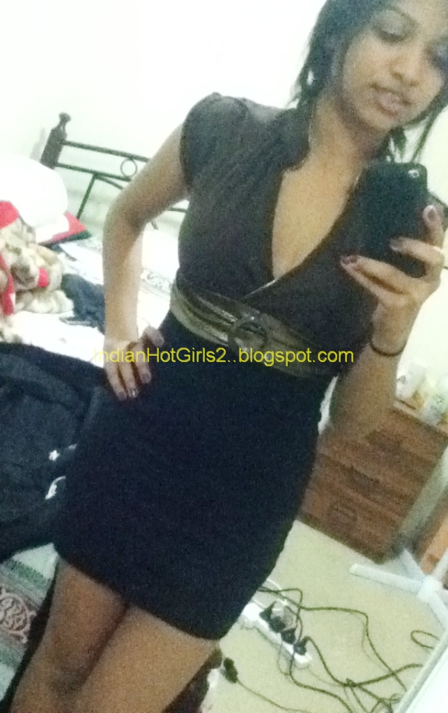 Indian Hot Girls: VERY Real cute little online chatting
