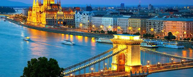 Pour votre voyage Hongrie, comparez et trouvez un hôtel au meilleur prix.  Le Comparateur d'hôtel regroupe tous les hotels Hongrie et vous présente une vue synthétique de l'ensemble des chambres d'hotels disponibles. Pensez à utiliser les filtres disponibles pour la recherche de votre hébergement séjour Hongrie sur Comparateur d'hôtel, cela vous permettra de connaitre instantanément la catégorie et les services de l'hôtel (internet, piscine, air conditionné, restaurant...)
