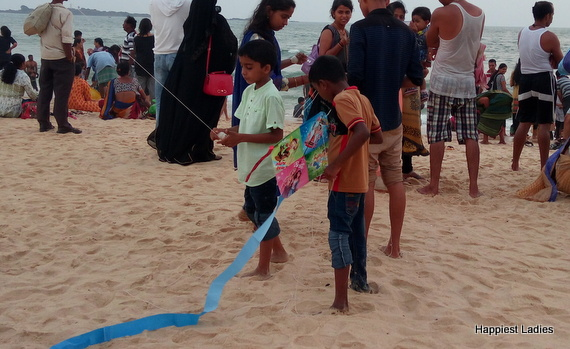 fly kites at malpe beach
