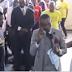 Pastor africano afirma tener el número de celular de Dios y se comunica con él frente a sus seguidores