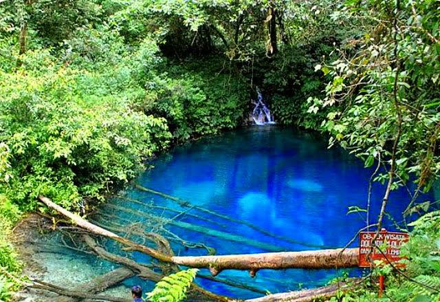 biru nan jernih air danau Kaco, Jambi