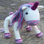 http://lucykatecrochet.com/crochet-unicorn-pattern