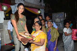 Actress Sri reddy (apthatrust director) Distrubuted Blankets for Orphans at Sai Baba Temple  0033.JPG