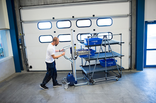 Electric Lifter Crate Handling