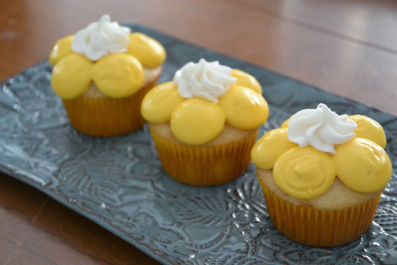 Much Ado About Somethin Easy Flower Cupcakes