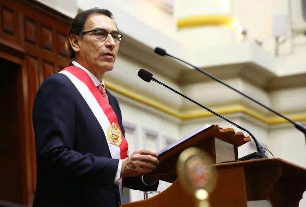 Martín Vizcarra juró como nuevo presidente del Perú