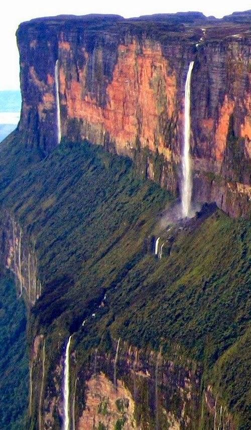 Mount Roraima - Beautiful Scenery   Sightsz