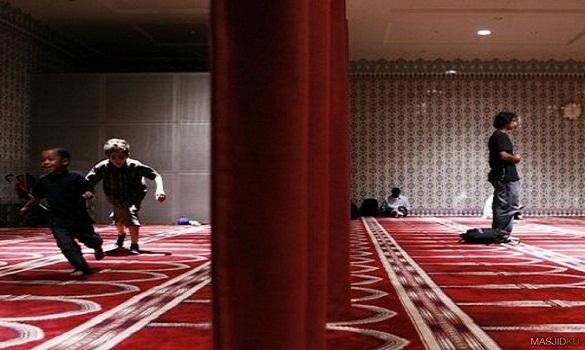 Wajib Tahu : Stop Marahi Anak Di Masjid, Ini Bahayanya