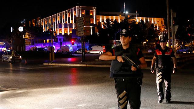 """Primer ministro turco: """"Los militares que intentaron el golpe pagarán con las consecuencias"""""""
