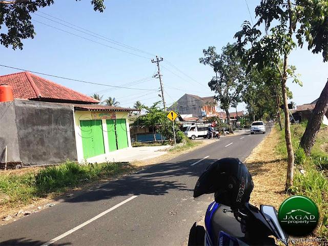 Tanah Tepi jalan Pandowoharjo, Sleman