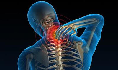 5 gerakan sederhana meredakan nyeri leher