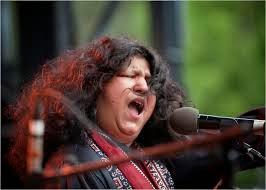 Chaap Tilak Sab Cheen More Se Naina Qawwali by Abida Parveen