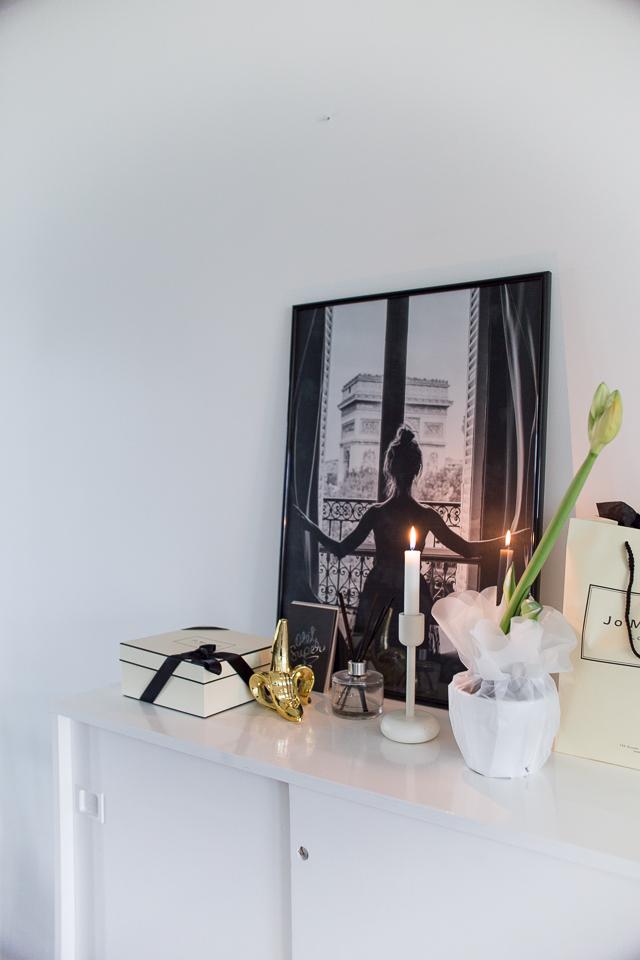 Villa H, marraskuun parhaat, eteinen ,kynttilät