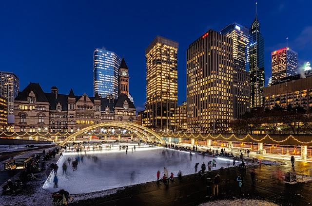 Pistas de patinação no gelo em Toronto
