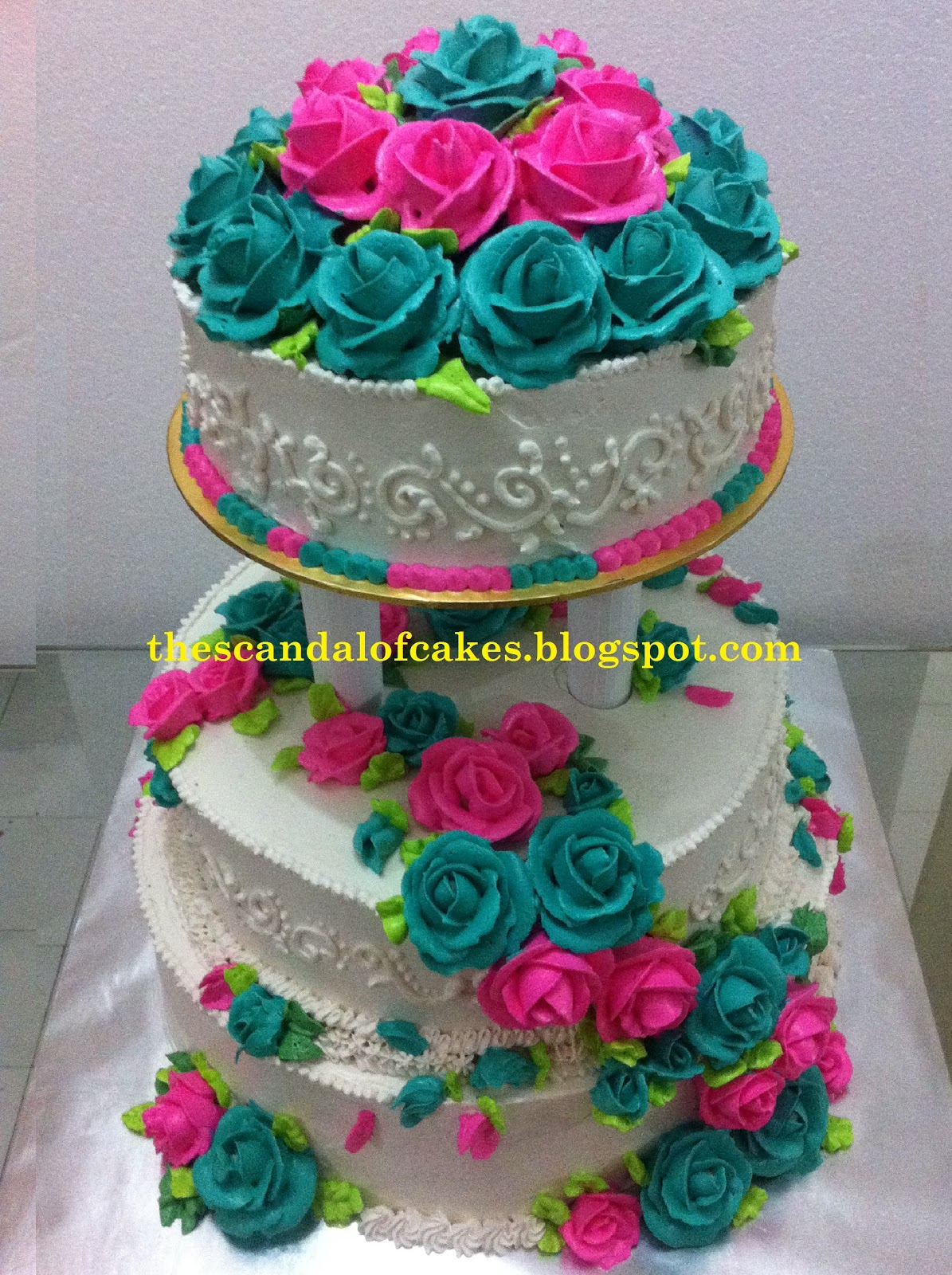 pink turquoise wedding cake the scandal of cakes. Black Bedroom Furniture Sets. Home Design Ideas