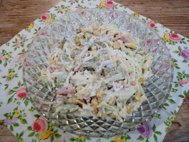 salatka makaronowa z szynka salatka z szynka i serem salatka z makaronem salatka z makaronu nitki