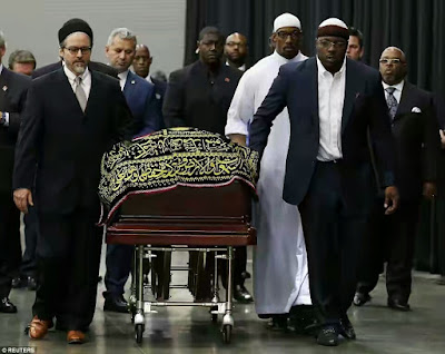Muhammad Ali's Family Join Thousands Of Mourners For Traditional Islamic Prayer Service